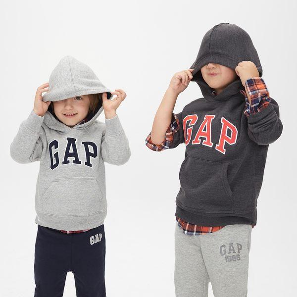 Gap男孩 基本款時尚舒適休閒連帽上衣 869631-炭灰