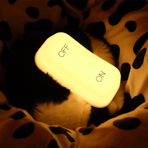 usb節能重力感應燈床頭嬰兒喂奶拍拍燈led充電插電起夜小夜燈台燈 「ATF夢幻小鎮」