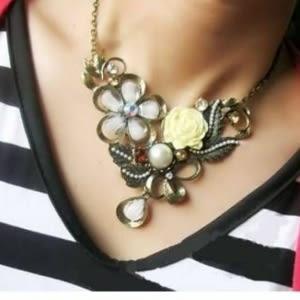 ♥靚女堂♥【GX0231】 歐美復古風 立體玫瑰花帶鑽珍珠奢華項鍊