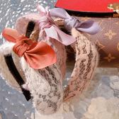 《花花創意会社》古典蕾絲寬版公主髮箍。三色【H6548】