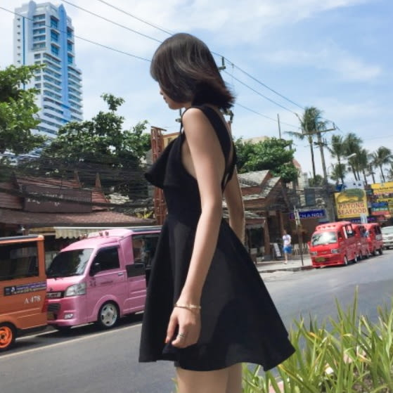 梨卡★現貨 - 度假性感露背後交叉沙灘裙連身裙連身短裙洋裝C6363