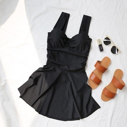 【現貨】梨卡- 甜美[挖洞後綁帶+集中鋼圈]黑色顯瘦裙式遮腿加大尺碼溫泉連身比基尼泳裝泳衣C956
