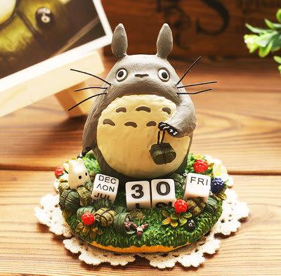 【發現。好貨】日本正版宮崎駿 龍貓公仔萬年曆 擺飾 桌曆 年曆 日曆 禮物 聖誕禮物