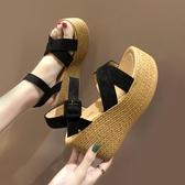 涼鞋女新品 新款 高跟坡跟防水臺台鬆糕厚底一字帶羅馬鞋 雙11低至8折