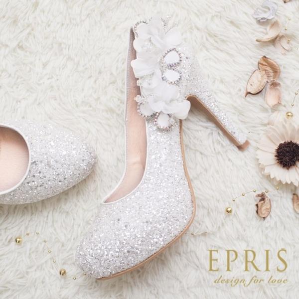 現貨 MIT小中大尺碼圓頭高跟鞋 山楂花女神 內增高水鑽花朵真皮鞋墊高跟鞋 21-27 EPRIS艾佩絲-浪漫白