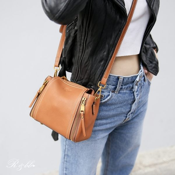 真皮包包-R&BB牛皮拉鍊輕巧小方包!2way手提&肩背(附真皮手提+可調式背帶)棕色/酒紅