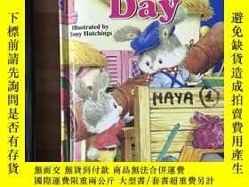 二手書博民逛書店英語原版繪本《Moving罕見Day》Y345161 Tony Hutchins Modern Publi