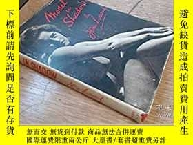 二手書博民逛書店Model罕見In ShadowY28384 John Ever
