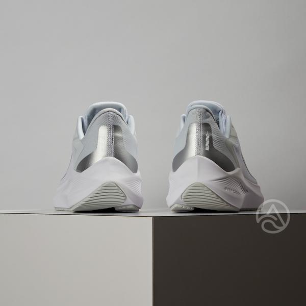Nike Zoom Winflo 7 女鞋 銀白色 氣墊 避震 舒適 球鞋 慢跑鞋 CJ0302-004
