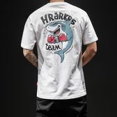 嘻哈短袖男T恤寬鬆加肥大碼夏裝鯊魚半袖上衣正韓潮boy帥白體恤 免運直出 聖誕交換禮物