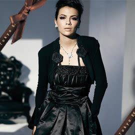 東京衣服-花朵珍珠鍊 彈性外套 黑色 (可搭配小禮服/洋裝)