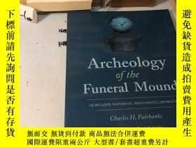 二手書博民逛書店英文原版:Archeology罕見of the Funeral