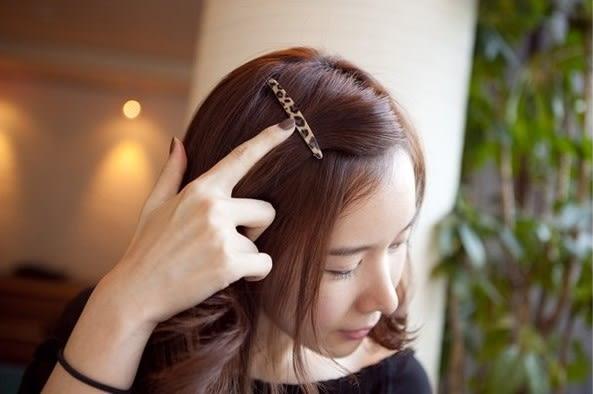 [協貿國際]  韓式豹紋髮飾頭飾劉海邊夾一字夾 (2個價)