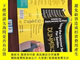 二手書博民逛書店Using罕見the Internet Safely For Seniors For DummiesY1545