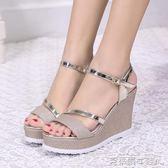 女鞋涼鞋一字扣帶內增高簡約坡跟磨砂露趾休閒鞋 免運