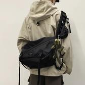 斜背包側背包工裝包斜挎包男士潮牌日系嘻哈ins挎包休閑學生潮流背包女單肩包 快速出貨