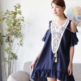 ☆NO.233 SHOP【A6258】藍~全尺碼~夏季新款熱情上架~花朵刺繡V領拼接綁帶露肩洋裝~大尺碼