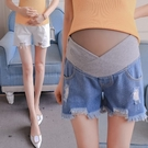 漂亮小媽咪 韓國托腹褲 【P5402】 抽鬚 刮破 低腰 交叉 顯瘦 破洞 孕婦托腹褲 牛仔褲 孕婦短褲