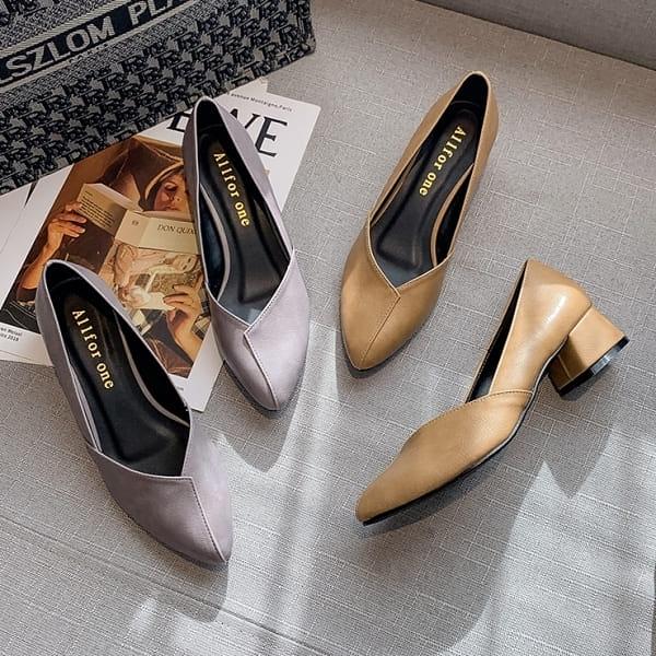 粗跟鞋.MIT優雅仿舊感皮革拼接低跟尖頭包鞋.白鳥麗子