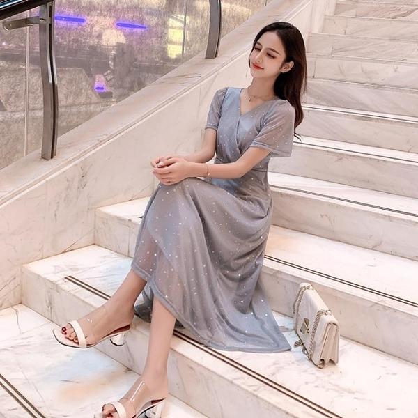 大尺碼 休閒裙 洋裝 大尺碼女裝夏季新款V領遮肚收腰裙子胖mm顯瘦洋氣仙女中長款連衣裙