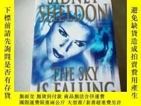 二手書博民逛書店THE罕見SKY IS FALLING(英文)Y212829