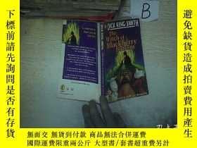 二手書博民逛書店THE罕見WITCH OF BLACKBERRY BOTTOM 黑莓底女巫 06Y261116
