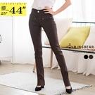 休閒褲--都會時尚超彈性激瘦修飾中腰素面銀扣小喇叭西裝褲(黑.咖S-7L)-P15眼圈熊中大尺碼