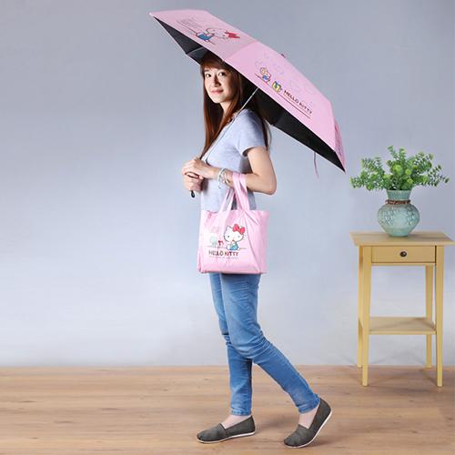 《拍照福利品》HELLO KITTY黑膠三折晴雨傘1入