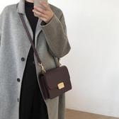 韓國早秋新款極簡復古素色PU鎖扣側背小方包女包百搭風琴褶斜背包 聖誕交換禮物