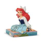 《Enesco精品雕塑》迪士尼公主小美人魚勇敢坐姿塑像-Be Bold(Disney Traditions)_EN97341