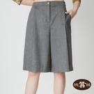 【岱妮蠶絲】打摺設計蠶絲寬褲裙五分薄短褲(亞麻綠)
