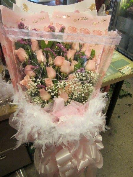 情意花坊網路人氣花店~情人節花束深深愛著妳~21朵感動鐵達尼玫瑰花束1500元