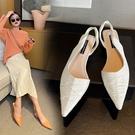 手工真皮大尺碼女鞋34~42 2021新款法式時尚優雅百搭羊皮拉縐尖頭低跟涼鞋~3色
