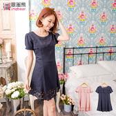 洋裝--氣質甜心花朵挖空多層次裙擺公主短袖洋裝(粉.藍M-2L)-D298眼圈熊中大尺碼