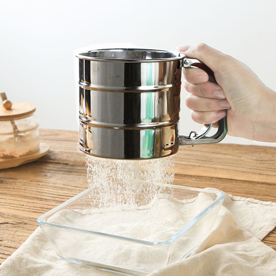 米菈生活館【X019】手壓杯式不銹鋼麵粉篩 202不銹鋼 烘焙工具 麵粉篩網 過濾 灑粉器 蛋糕