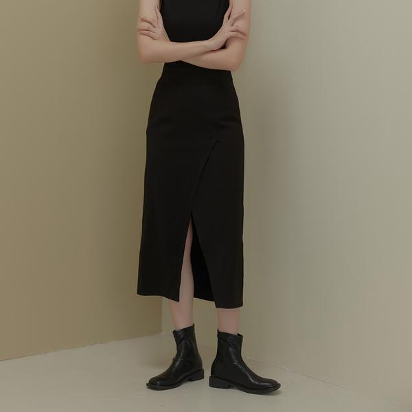 Queen Shop【03021003】高腰素面前交叉開衩設計長裙 兩色售 S/M*現+預*