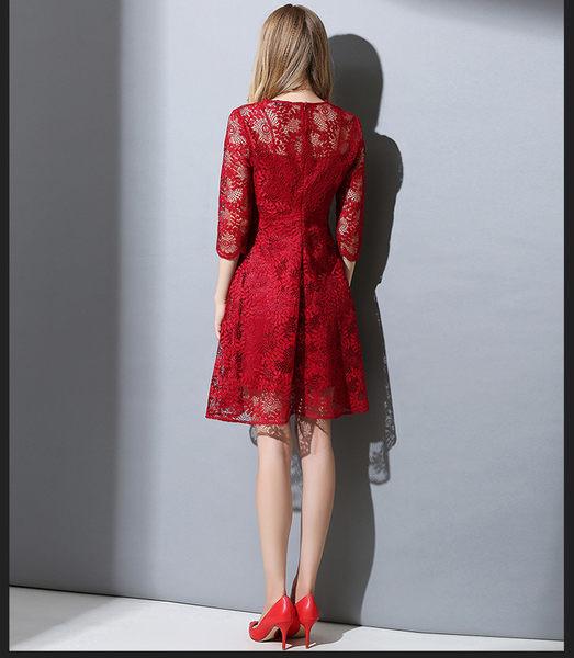 中大尺碼洋裝  顯瘦鏤空蕾絲V領連身裙 L-5XL #fs302