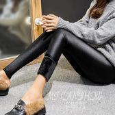 秋冬季加絨內搭褲 加厚外穿打底褲保暖棉褲黑色踩腳光澤褲女褲 米蘭shoe