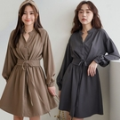 MIUSTAR 腰封造型穿繩綁帶排釦厚雪紡洋裝(共2色)【NH2488】預購