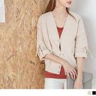 《EA1964》反摺袖釦環裝飾下襬縮口V領外套·2色 OrangeBear