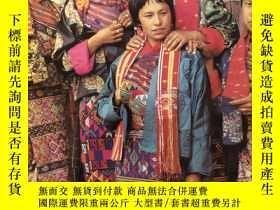 二手書博民逛書店Textile罕見Arts of Bhutan:From the land of the Thunder Drag