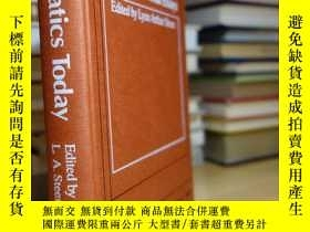二手書博民逛書店Math罕見Today 12 Informal EssaysY3