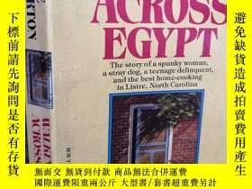 二手書博民逛書店CLYDE罕見EDGERTON WALKING ACROSS EGYPT 館藏本 17.5X11CMY2776