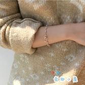 現貨 蝴蝶結手鏈韓版簡約百搭森系珍珠手飾【奇趣小屋】