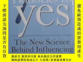二手書博民逛書店英文原版罕見The 7 Triggers to Yes by R