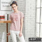 【JEEP】女裝吉普車轉印圖騰短袖T恤-粉色