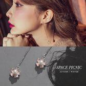 耳環 Space Picnic|簡約垂墜小花設計耳環(預購)【C18072013】