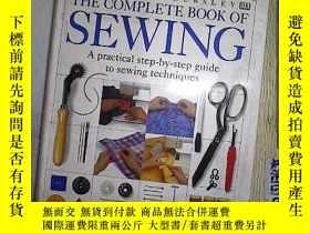 二手書博民逛書店THE罕見COMPLETE BOOK OF SEWING .Y2