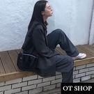 [現貨]  側肩背 斜肩背 斜跨小包 翻蓋 寬肩帶 漆皮亮面黑色質感材質 個性暗黑系  H2016 OT SHOP