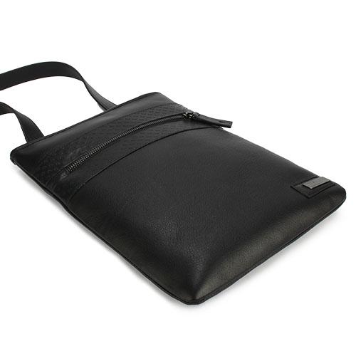 ARMANI COLLEZIONI 經典細紋牛革斜背扁包(黑色)102310
